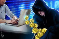 یک متخصص فناوری اطلاعات در حین تعمیر کامپیوترهای یک شرکت ، 38 هزار دلار دارایی دیجیتال را به سرقت برد